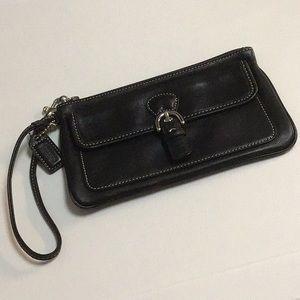 Vintage Coach Black Buckle Wristlet **Very Good**